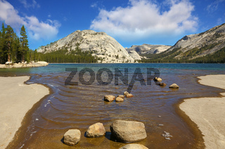 The lake in Yosemite
