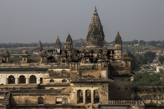 Raja Mahal and the Chaturbhuj Temple. Orchha, Madhya Pradesh, India
