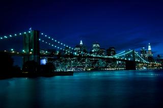New York, Brooklyn Bridge at night