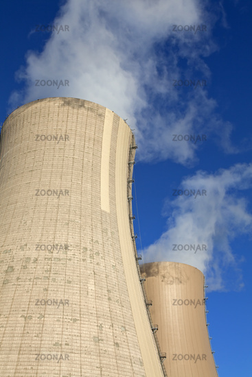 Smoking cooling tower of a nuclear power reactor,