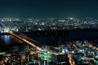 Suita und Toyonaka Skyline bei Nacht