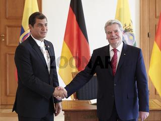 President Gauck received the president of the Republic of Ecuador, Rafael Correa Delgado.
