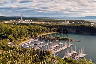 Kroatien Krk Hafen Segelboote