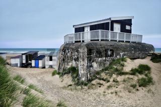 Strandhaus auf Bunkeranlage, Calais, France