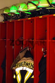 Feuerwehr Schutzkleidung Helme und Jacke 2
