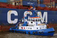 CMA CGM Verdi with tugboat at Burchardkai