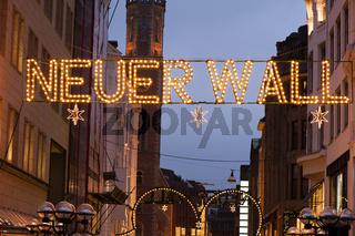 Eingang zum Neuen Wall in Hamburg