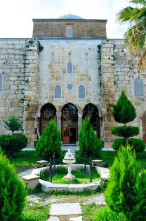 Isa Bey Moschee Innenhof