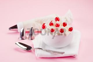Cream Dessert with currants