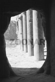 Blick aus dem Inneren des Urnengrabs, Petra