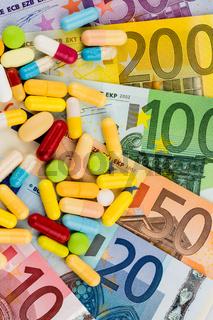 Eurogeldscheine und Tabletten