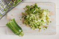 Geriebener Zucchini