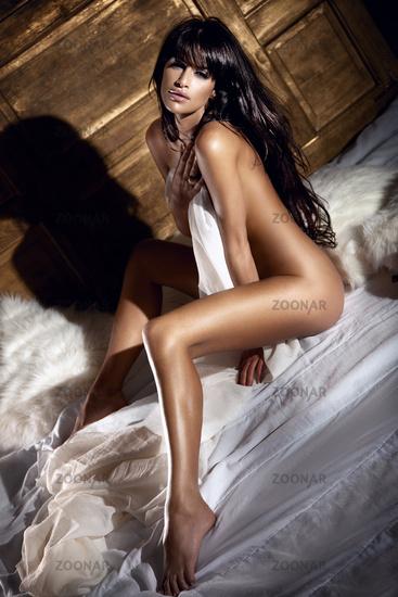 красотки брюнетки откровенное фото