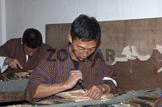 Student am Nationalen Institut für traditionelles Kunsthandwerk