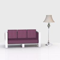 Couch und Stehlampe