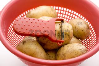 Kartoffeln mit Messer