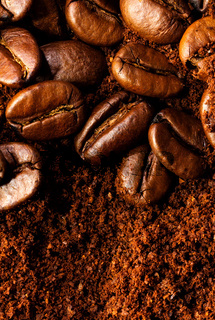 Kaffeebohnen & Pulver