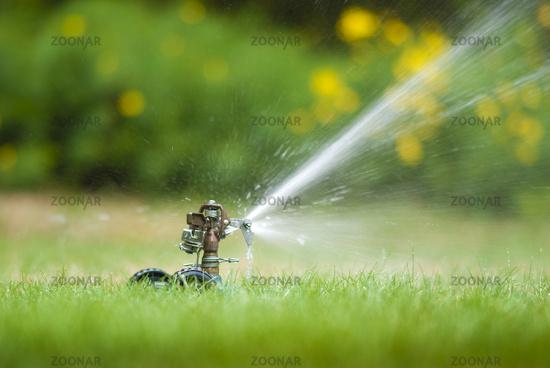 Lawn sprinkler