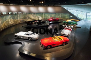 Mythos 4 im Mercedes Benz Museum Stuttgart