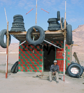 Reifenflickercamp and der Autobahn Amman nach Aqaba