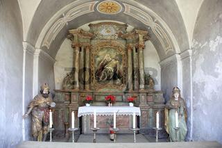 Grotte der Wallfahrtsbasilika zur heiligen Dreifaltigkeit des Franziskanerklosters in Gößweinstein