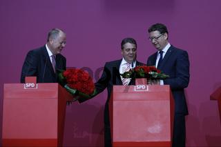 Peer Steinbrueck, Sigmar Gabriel and Thorsten Schäfer-Gümbel give a joint press conference