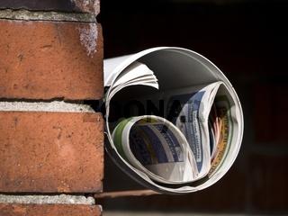 Zeitungen-Mauer