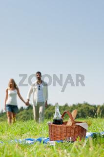 Picnic basket - Romantic couple holding hands
