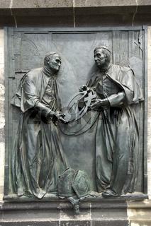 Gedenktafel am Kölner Dom (Hohe Domkirche St. Petrus), Deutschland