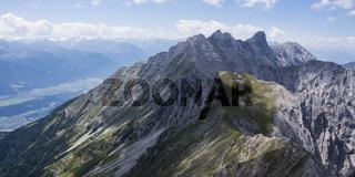 Nordkette über dem Inntal in Tirol
