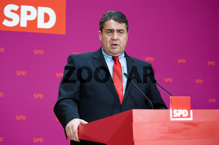 Sigmar Gabriel (SPD) at Press Conference