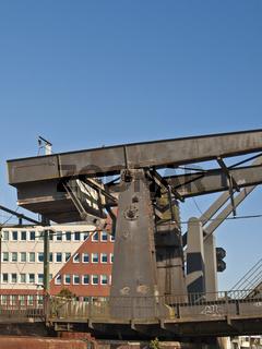 Eisenbahn-Klappbruecke in Emden