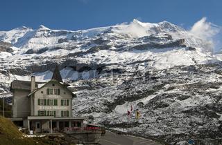 Hotel Klausen-Passhöhe an der Klausenstrasse