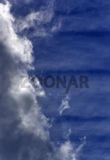 Wolken + Streifen