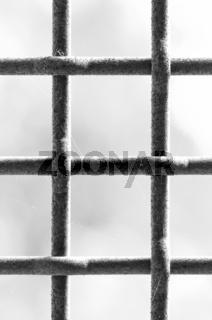 Gitter vertical schwarz-weiss