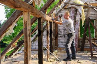 Dachstuhl abbrechen - roof truss demolish 05