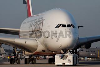 Airbus A380 der Emirates.