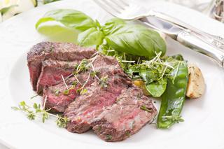 beef steak medium with vegetables