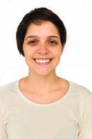 Portrait junge Frau mit kurzen Haaren
