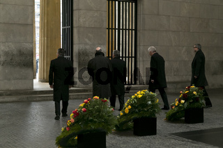 Memorial Day: a wreath for victims of war and tyranny