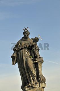 Heiliger Antonius von Padua, Statue auf der Karlsbrücke, UNESCO Weltkulturerbe, Prag, Böhmen, Tschechien, Tschechische Republik, Europa