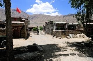 Kleine Ortschaft in Tibet  China