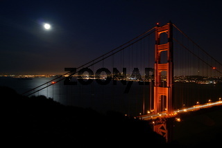 Golden Gate bei Vollmond