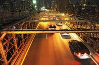 car lane Brooklyn Bridge, Manhattan in New York Ci