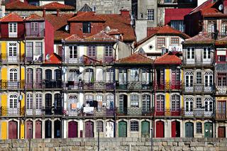 Haeuser am Cais da Ribeira, Porto, Portugal