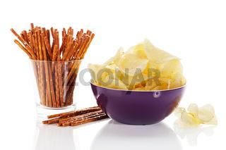 chips und salzstangen