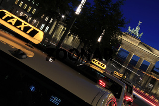 Berlin - Brandenburger Tor w Taxis and Tourists at blue hour