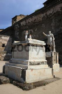 Statue des di M. Nonio Balbo