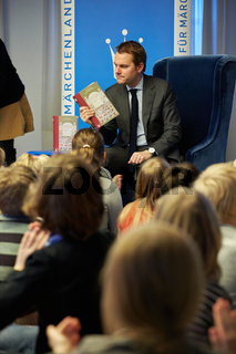 Fairytale reading with FM Daniel Bahr