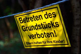 Grundstueck betreten verboten